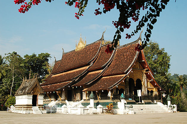 wat xieng thong best time to visit laos
