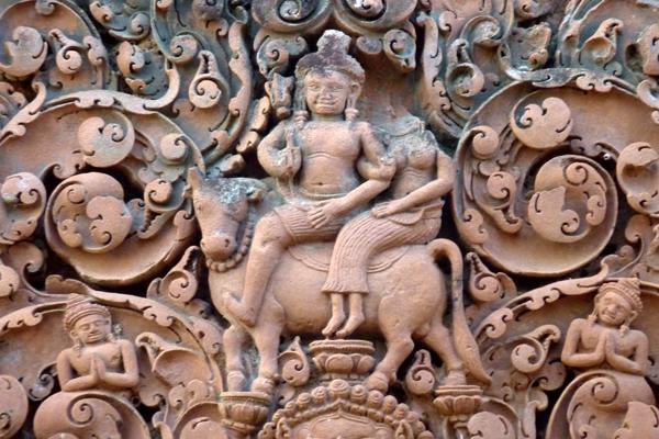 Bas-reliefs in Banteay Srei Temple