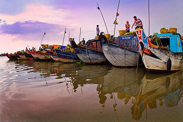 Cai Be Floating Market - Indochina Tours 25 Days
