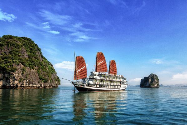Cruise along the World Heritage Halong Bay