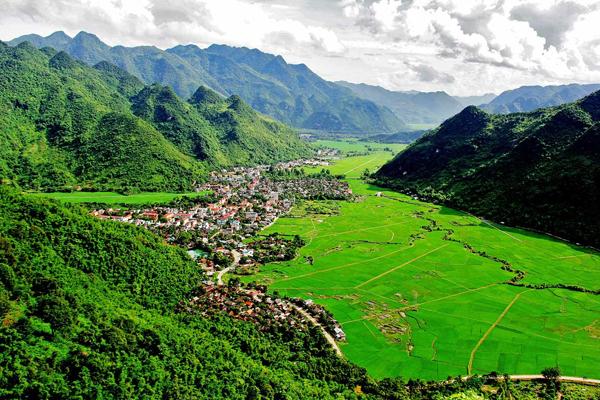 Panoramic view of Mai Chau - Indochina 3 Week Tour
