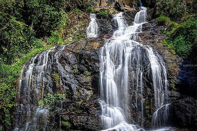 Sapa Silver Waterfall Indochina Tour Packages