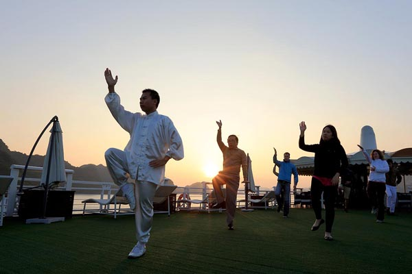 Tai Chi on halong Bay Cruise - Southeast Asia 19 Day Trip