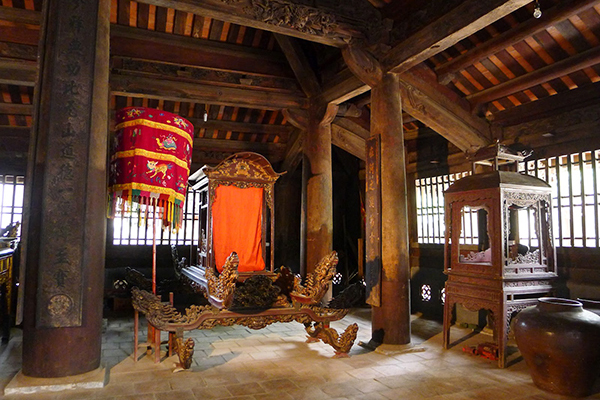 Tho Ha Communal House - Indochina 20 Day Tour