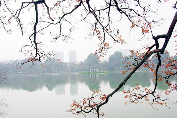 Early morning spring in Hoan Kiem Lake