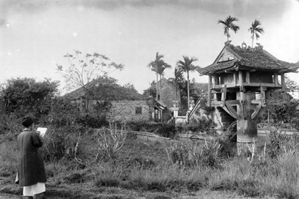 One Pillar Pagoda in 1922