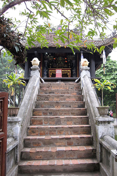 Stairs leading to One Pillar Pagoda
