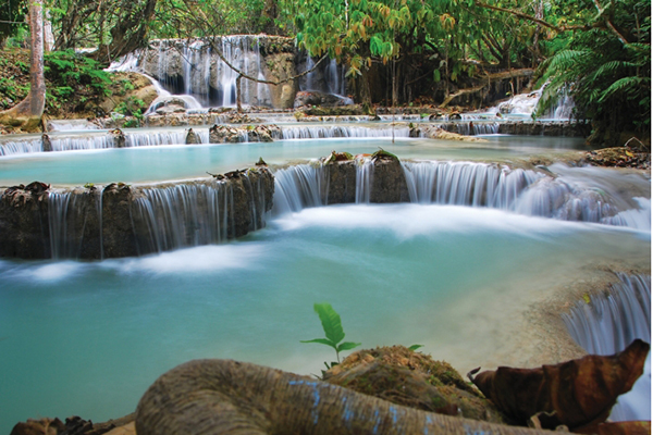 The beautiful waterfall picture from Kuang Si Waterfall