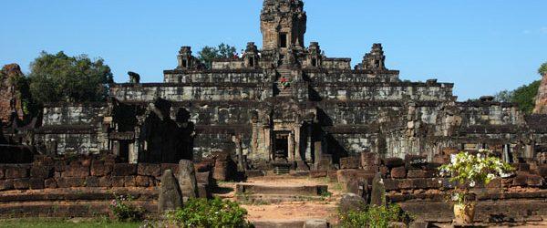 The main facade of Bakong temple