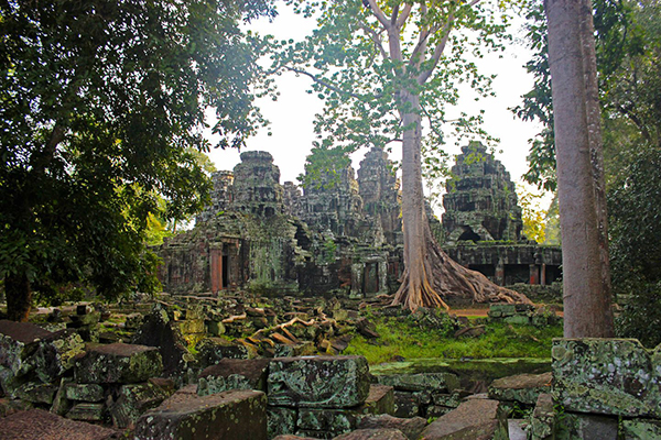 View of the west entrance of Banteay Kdei temple