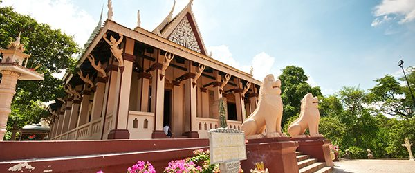 Wat Phnom means temple of the Mountains