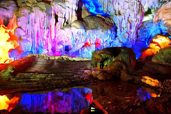 Hanh Cave, Ha Long Bay