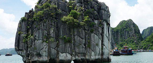Incense Burner Islet - Hon Dinh Huong