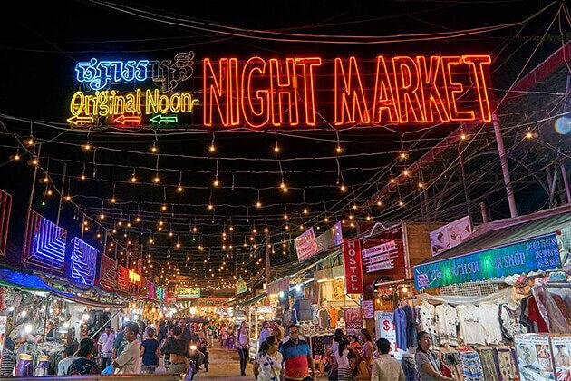 Angkor night market siem reap