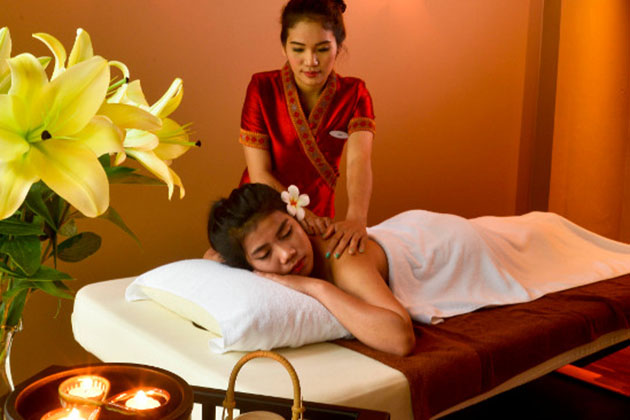 Lao traditional massage is somehow similar to Thai massage
