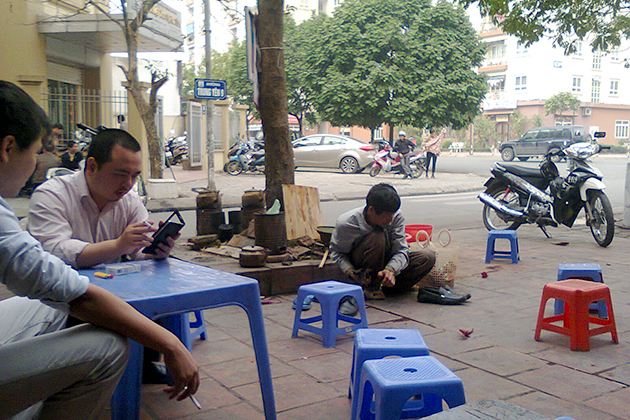 One of the most common tricks in Hanoi is for shoeshine.