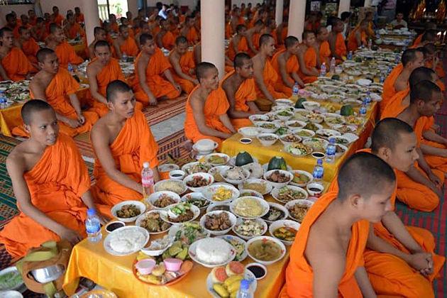 Pchum Ben cambodia festivals