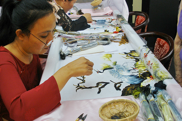 The techniques of Vietnamese embroidery originate from China