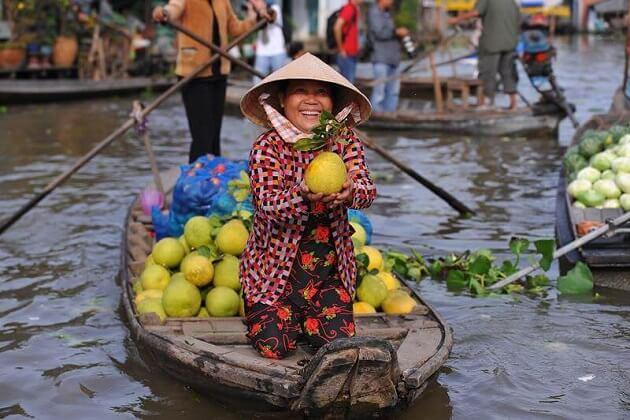 Tra On Floating Market mekong Delta
