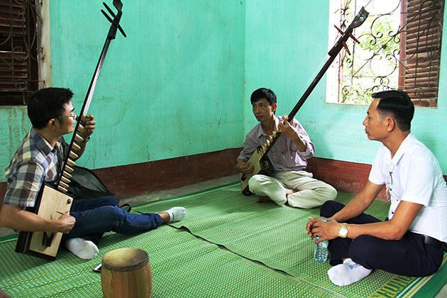 Dan Day vietnam traditional musical instruments