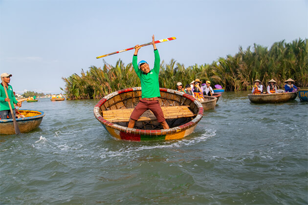 Bamboo Basket Boat - Indochina Holiday Packages