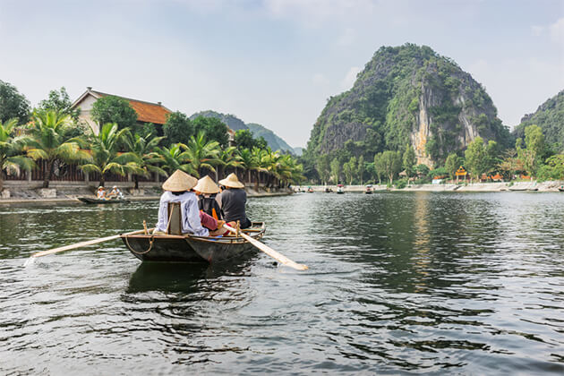 Boat Trip Tam Coc - Indochina Travel 24 Days