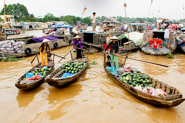 Cai Be Floating Market - Vietnam Cambodia Cycling Tour
