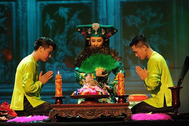 Tu Phu Show - Vietnam Cambodia Itinerary 21 Days