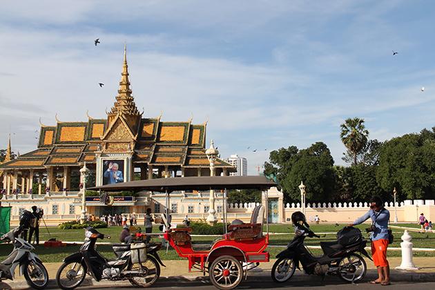 Royal Palace - Cambodia Laos Tour Itinerary