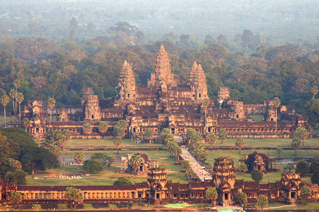 Angkor Wat - Cambodia & South Vietnam Tour
