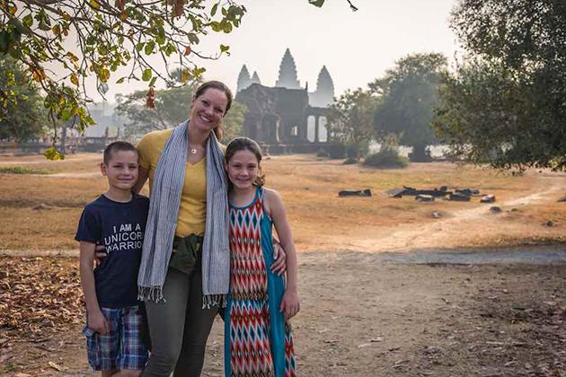 Greeting Custom in Cambodia