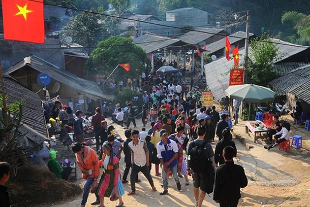 Love Market Vietnam Khau Vai