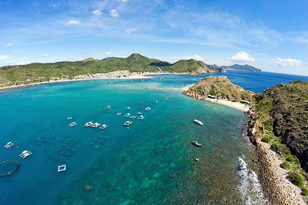Vietnam - Binh Ba Beach