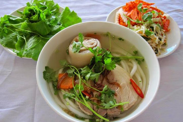 Banh Canh - Vietnamese Thick Noodle Soup