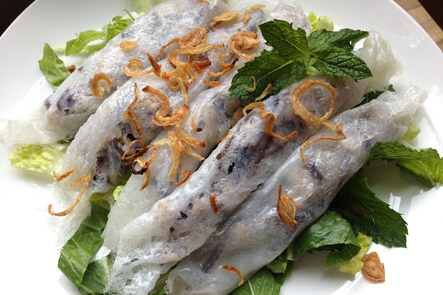Banh cuon - Steamed Rolled Rice Pancake