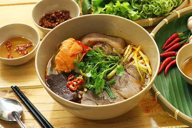 Bun bo Hue – Vietnamese Spicy Beef Noodle Soup