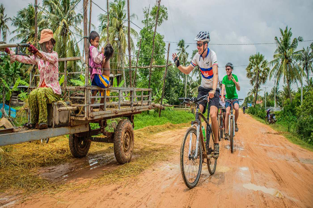 biking siem reap - travel to vietnam and cambodia