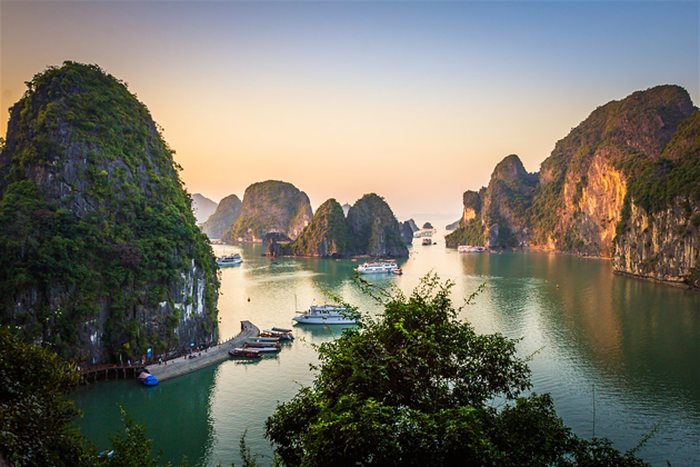 halong bay cruise southeast asia 25 days