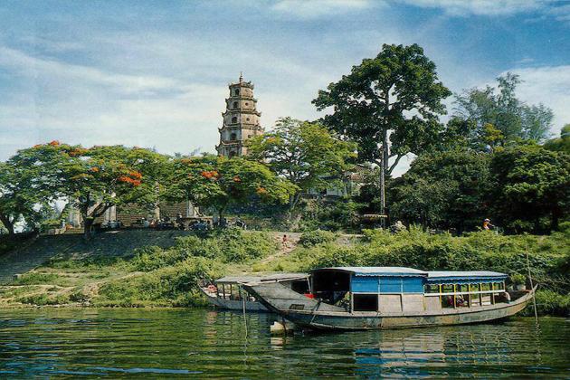 thien mu pagoda indochina tours