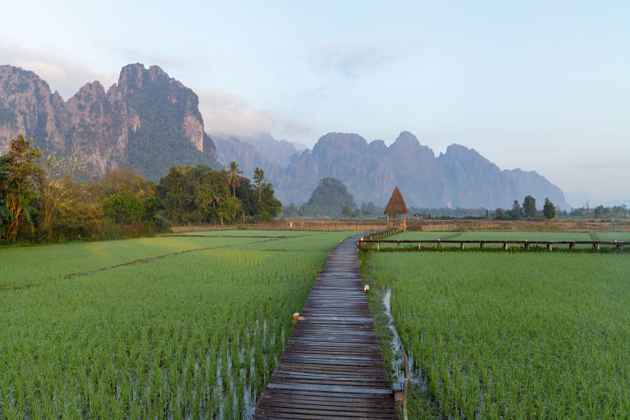 vang vieng indochina tours