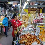 warorot market indochina tours