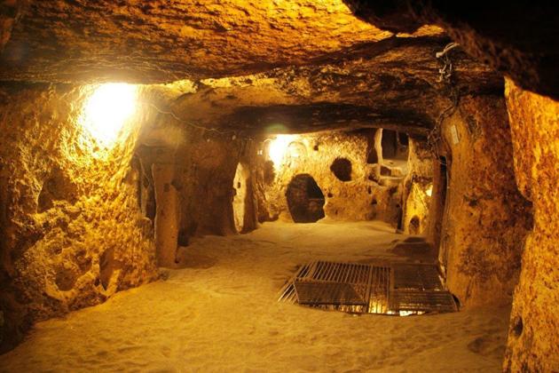 Cu Chi Tunnels - Vietnam Laos Tours