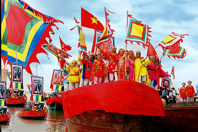 vietnamese flags in festivals