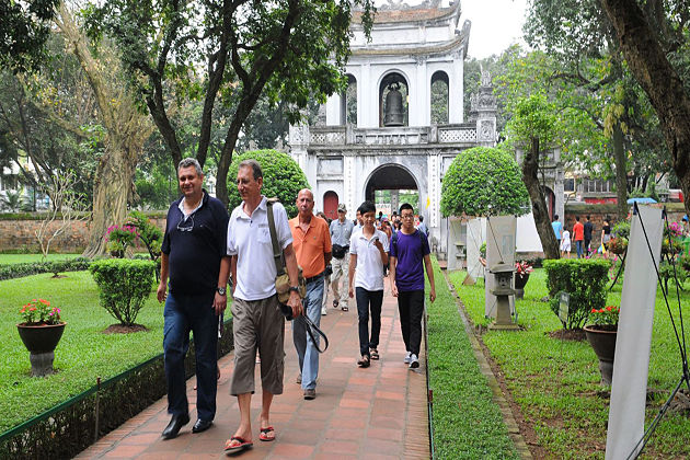 Hanoi Launches New Telephone Switchboard to Upgrade Tourism Services Indochina tours