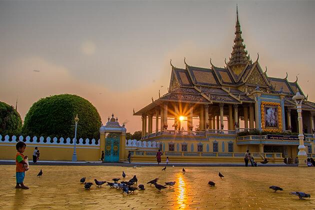 Royal Palace Phnom Penh - Tours to Vietnam Cambodia Laos