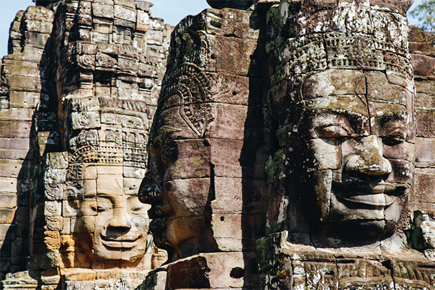Smiling Stone on Bayon Temple - Treasure of Indochina 26 Days
