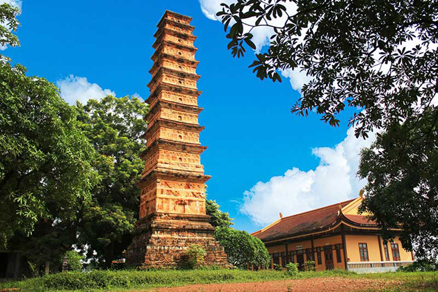 binh son tower vietnam architecture in tran dynasty