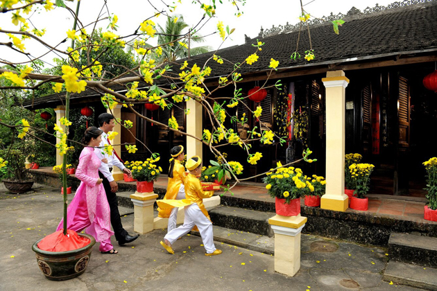 tet holiday vietnamese lunar new year indochina tours