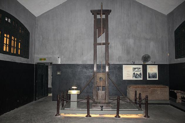 26-Day Vietnam Cambodia Tour - Hoa Lo Prison