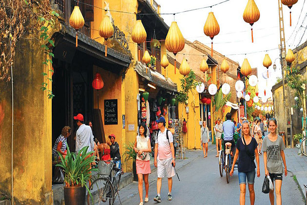 Hoi An walking Tour – Cambodia Vietnam Tour